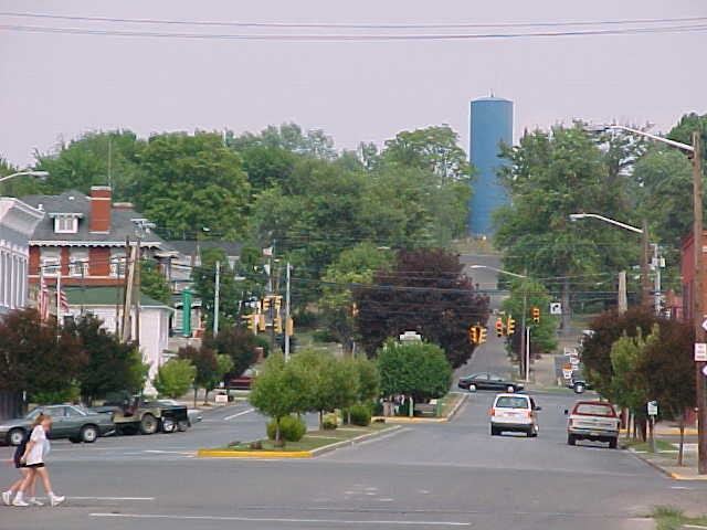 View of Broadway, facing north from Railroad Avenue